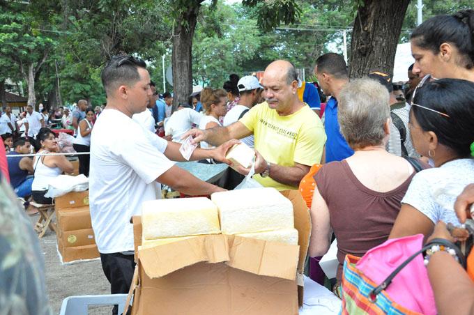 Feria especial por aniversario 504 de  la villa San Salvador de Bayamo (+ fotos)