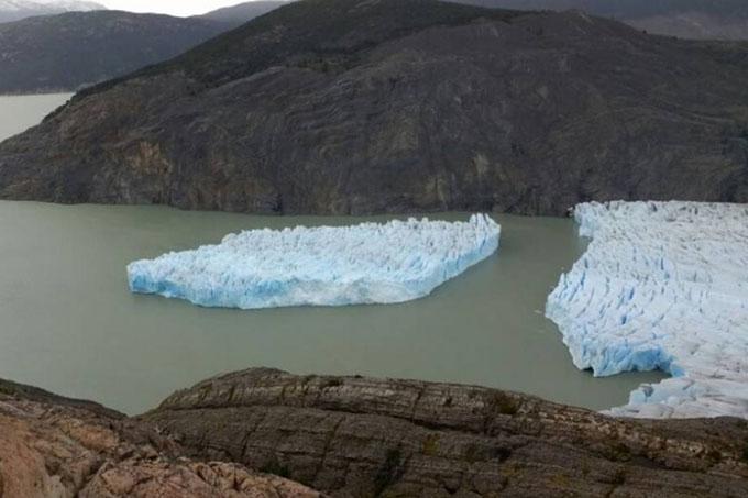 Preocupación por desprendimiento de glaciar Grey en Chile (+fotos y video)