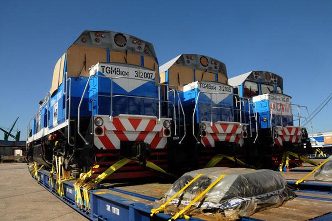 Arriba a Cuba primer lote de locomotoras rusas