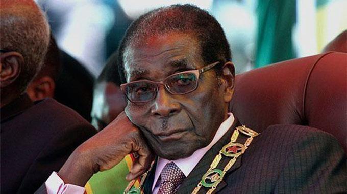 Dimite presidente de Zimbabue, Robert Mugabe