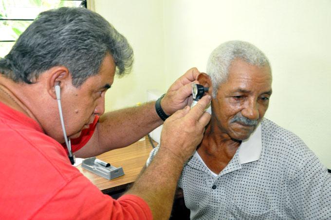 Cuba prioriza recursos indispensables a discapacitados pese al bloqueo