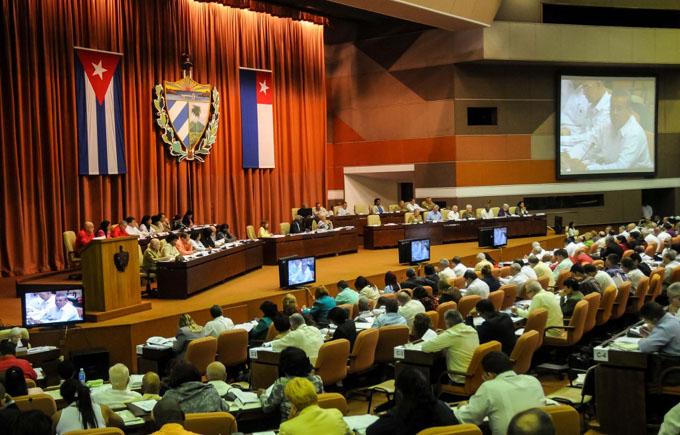 Parlamento cubano entra en su décimo período de sesiones