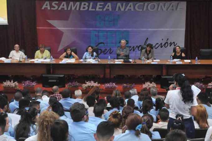 Envía presidente cubano felicitación a estudiantes enseñanza media