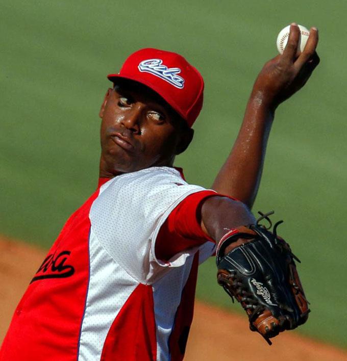 Líder Matanzas por barrer al colista en campeonato cubano de béisbol