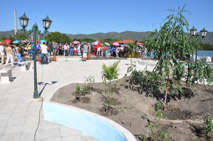 Inauguran viviendas y otras obras en municipios costeros de Granma