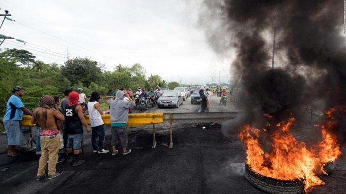 Persisten tensiones políticas y sociales en Honduras (+ fotos y videos)
