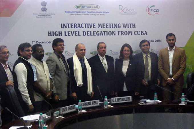 Ministro cubano de salud dialoga con empresarios indios del sector
