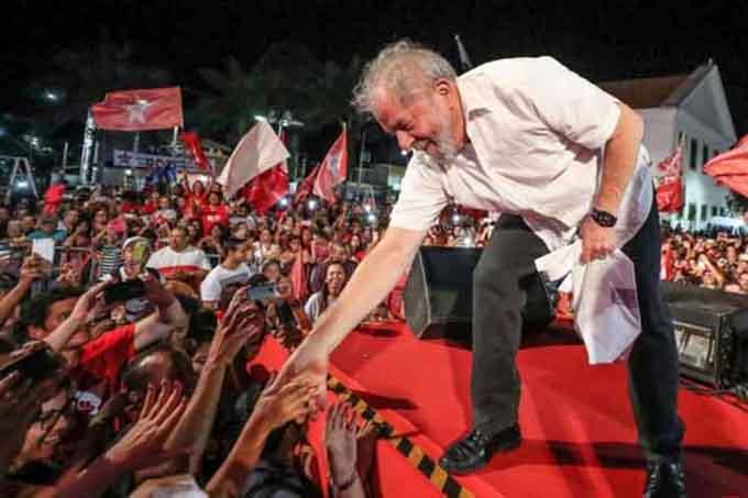 A cuatro municipios de Río llega hoy caravana Lula por Brasil