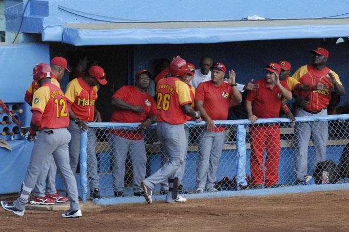 Matanzas pueder empatar en la cima del campeonato cubano de béisbol
