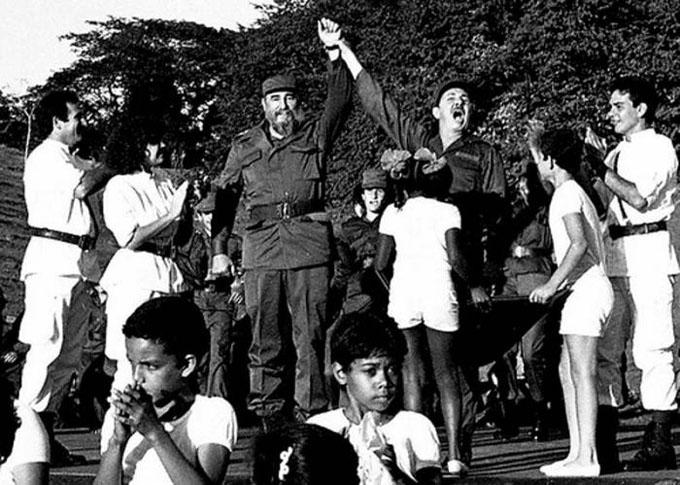 Cuando Fidel anunció la profecía mágica en Cinco Palmas
