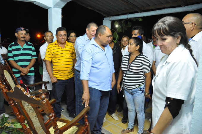 Pobladores de Granma beneficiados con obras sociales (+ fotos y videos)
