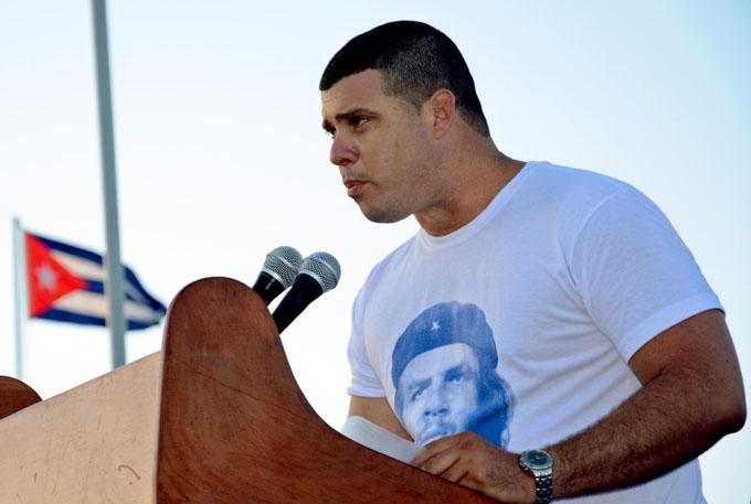 Jóvenes de Granma desembarcan en homenaje a Fidel