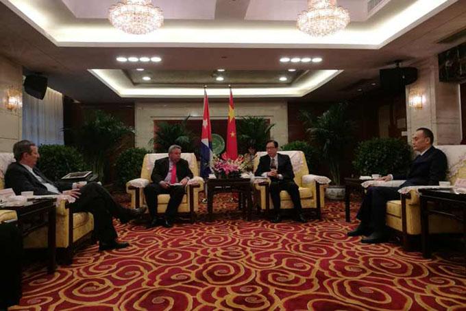 China y Cuba dispuestas a estrechar cooperación entre sindicatos