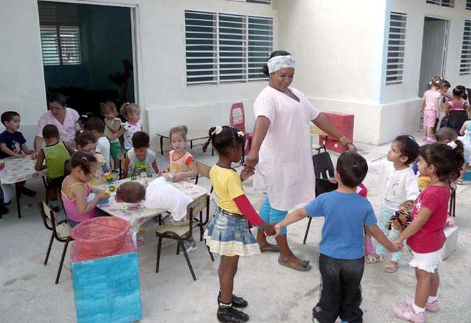 Brinda servicios mayoría de círculos infantiles dañados por Irma