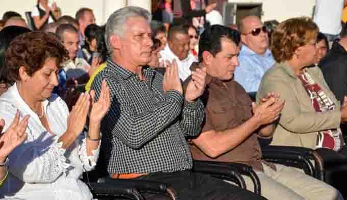 Presidió Díaz-Canel acto nacional por el Día del Educador