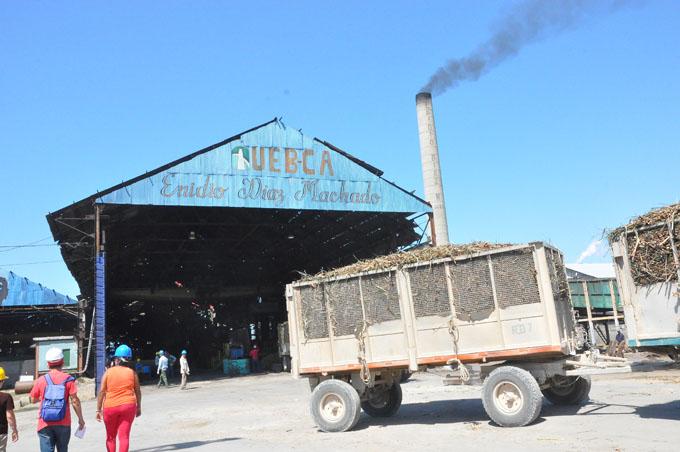 Inicia por el Enidio Díaz zafra azucarera en Granma