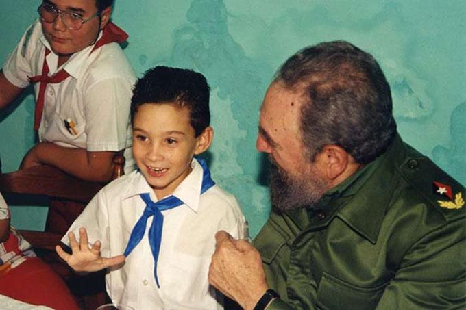 Fidel en la memoria de Juan Miguel González, padre del niño Elián (+ fotos y videos)