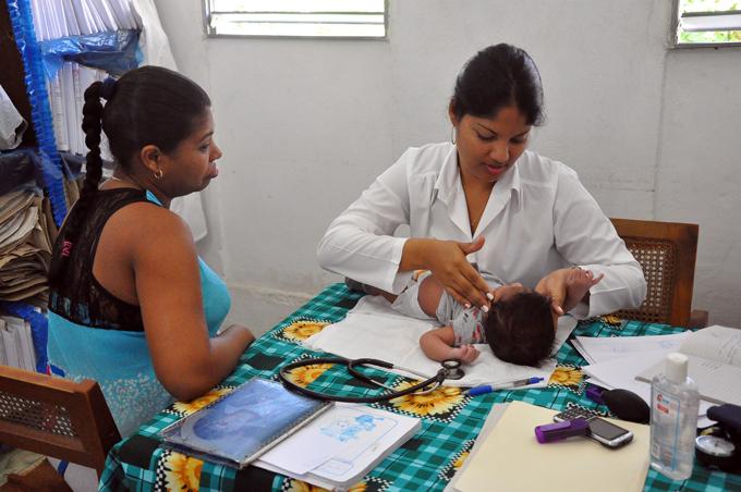 Conmemoran en Granma Día de la medicina latinoamericana