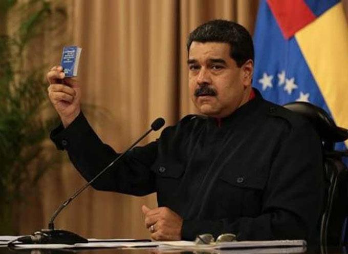 Maduro celebra 18 años de Constitución venezolana