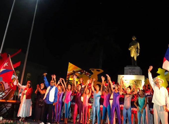 Evocan quema de Bayamo por sus moradores (+ fotos y videos)