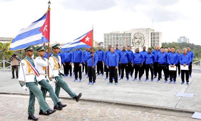 La bandera por las venas de nuestra nacionalidad (+ video y fotos)