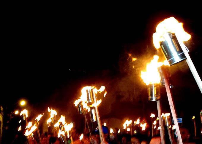 Fuegos en Granma  por José Martí (+fotos y video)