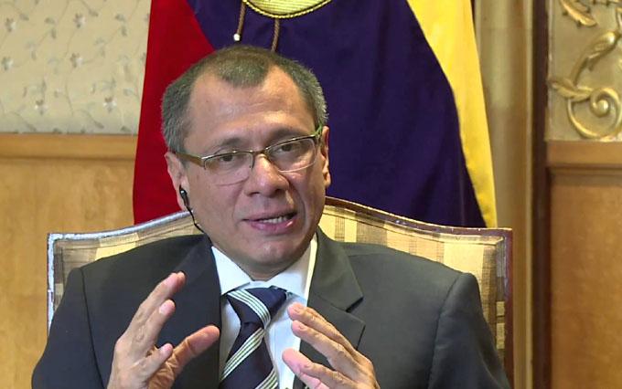 Ecuador expectante ante el anuncio de reemplazo del vicepresidente