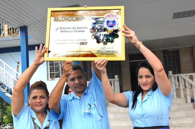 Celebran día del trabajador de la Industria Alimentaria en Granma