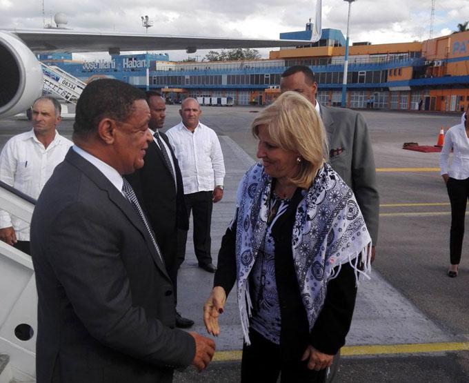 Presidente de Etiopía rinde tributo a internacionalistas cubanos (+ fotos)