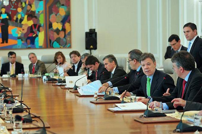 Gobierno colombiano dispuesto a reactivar cese el fuego con ELN