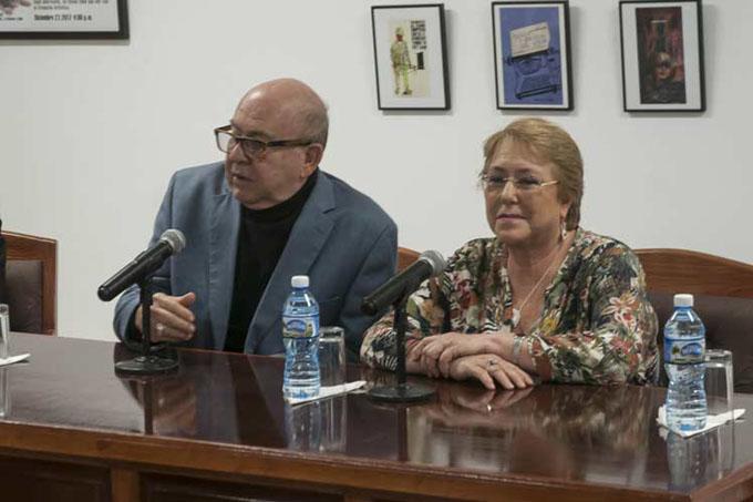 Michelle Bachelet dialoga con artistas e intelectuales cubanos