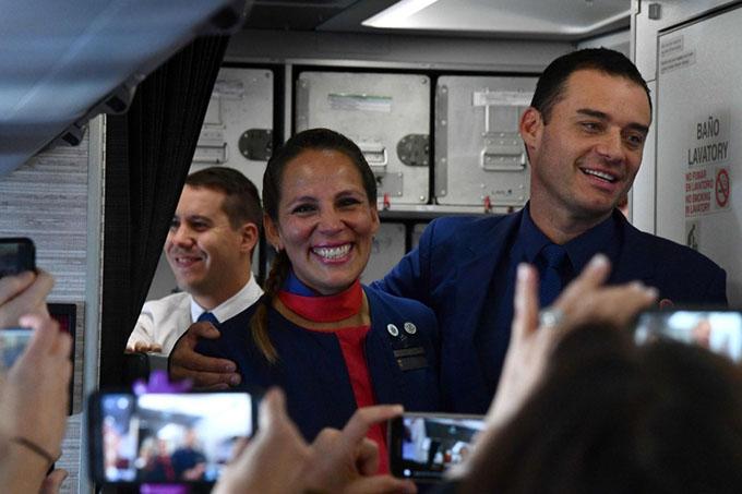 Papa Francisco oficia casamiento en avión hacia Iquique (+ video)