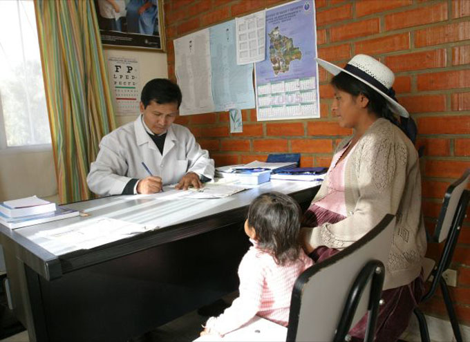 Restablecen servicios de salud en Bolivia tras 46 días de paro médico