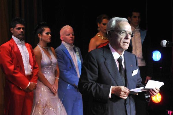 Historiador cubano recibe homenaje a propósito de Feria del Libro
