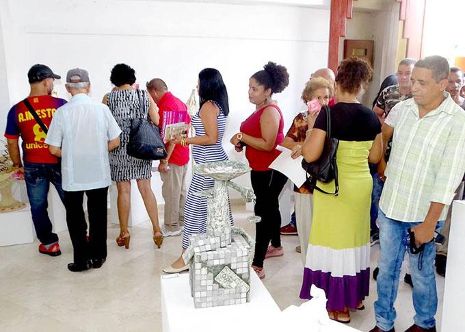 Abierta en Bayamo expo de Artesanos Artistas (+ fotos)