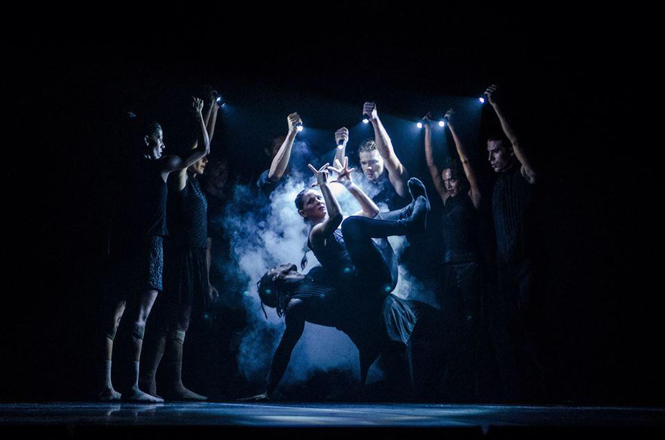 Expectante público de Granma ante actuación de Acosta Danza (+ video)