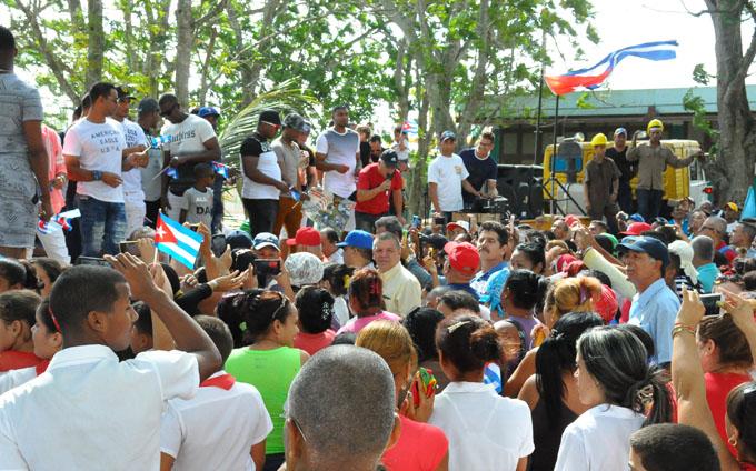 Recibimiento a los Alazanes y compromiso de azucareros (+ fotos)