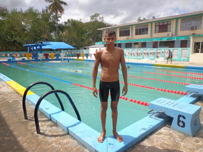 """Jonathan Pérez, el nuevo """"delfín"""" de la natación en Granma"""