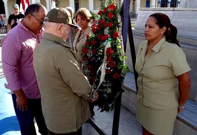 Rememoran aniversario del deceso del Padre de la Patria (+ fotos)