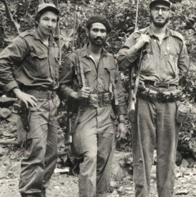 El ascenso de Raúl y Almeida a Comandantes
