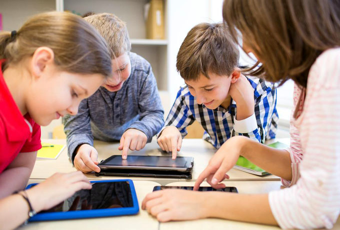 La niñez en el mundo digital: oportunidades y peligros