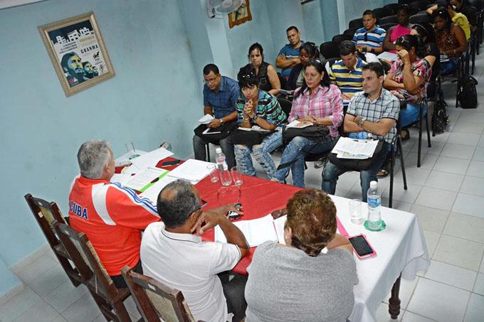 Realizan en Granma encuentro territorial de los CDR