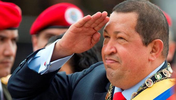 Un abrazo con Chávez