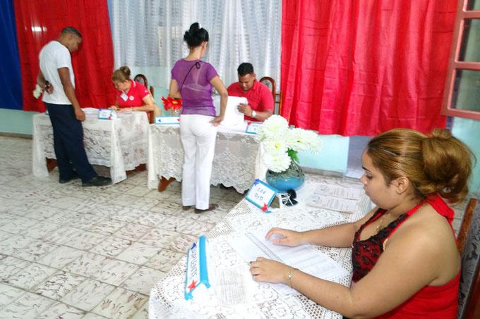 Más de mil 960 colegios abrirán en Granma para prueba dinámica