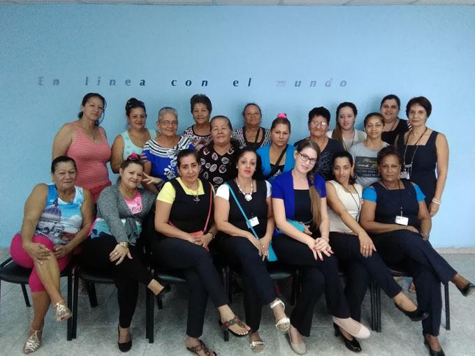 Intercambian agentes de telecomunicaciones en Bayamo