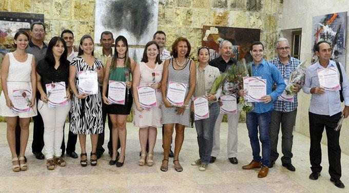 Entregan premios periodísticos en Granma