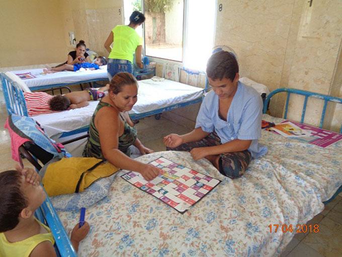 Intercambian inspectores de la ONURE con niños hospitalizados (+ audios)