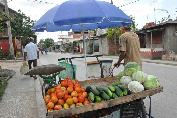 Aplican en Bayamo alternativa para ordenar venta de carretilleros