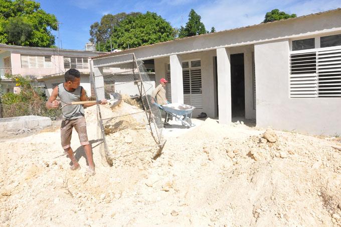 Granma por avanzar más rápido en construcción de viviendas