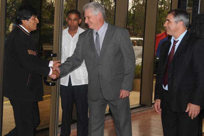 Visita de Evo Morales a Cuba refuerza lazos entre dos aliados